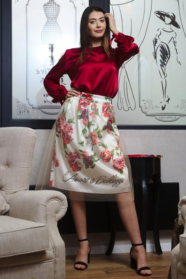 Skirt of natural silk and tulle
