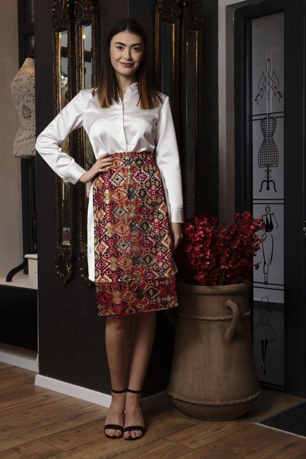 Taffeta dress accessorized with macrame