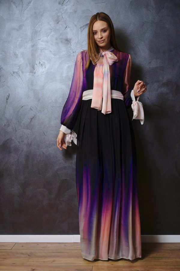 Maxi dress of silk veil