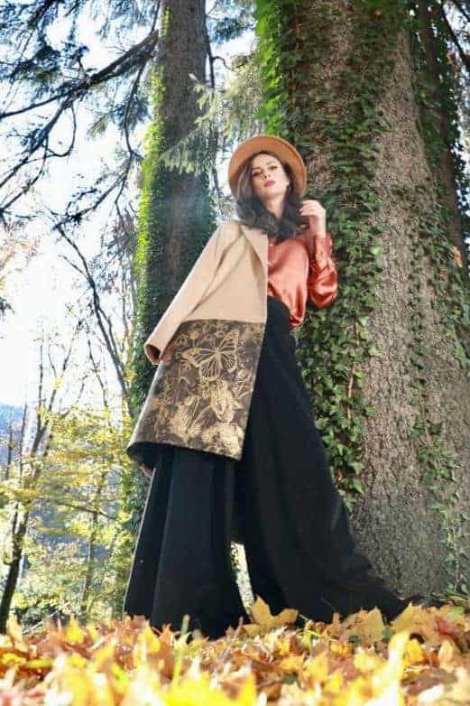 Coat of wool cashmere and brocade