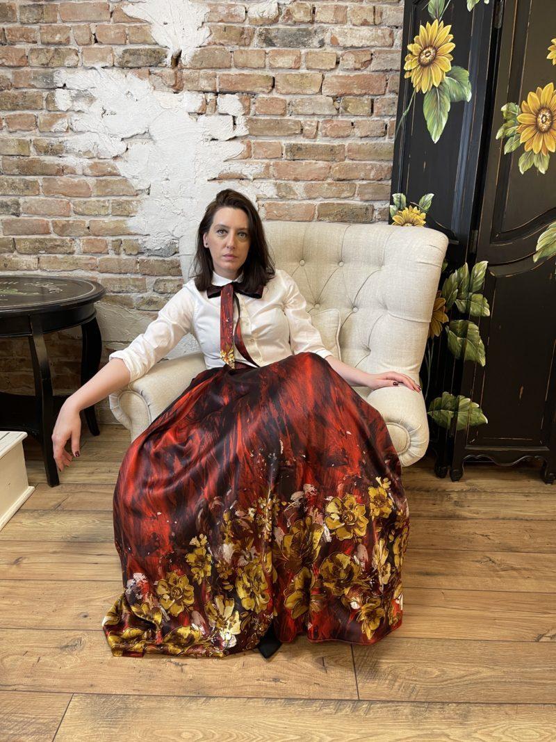 Red maxi skirt of printed natural silk